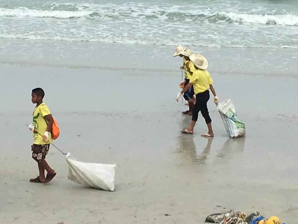 """สร้างภูมิ คุ้มนิเวศ"""" (Eco Cobuild) : ส่งขยะกลับบ้าน"""