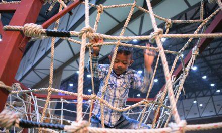 """""""สนามเด็กเล่นสร้างปัญญา"""" นวัตกรรมกระตุ้นพัฒนาการเด็กปฐมวัย"""