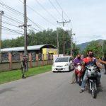 ปิดทางเข้า ออก 2 หมู่บ้าน แว้ง ตั้งด่านคัดกรองเชื้อไวรัส COVID19